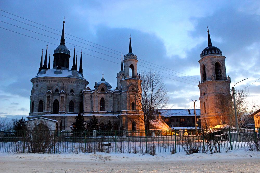 Средневековый замок недалеко от Москвы