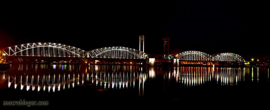 Ночная панорама Большеохтинского моста