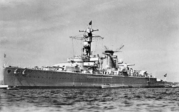 Panzerschiff_Deutschland_in_1936
