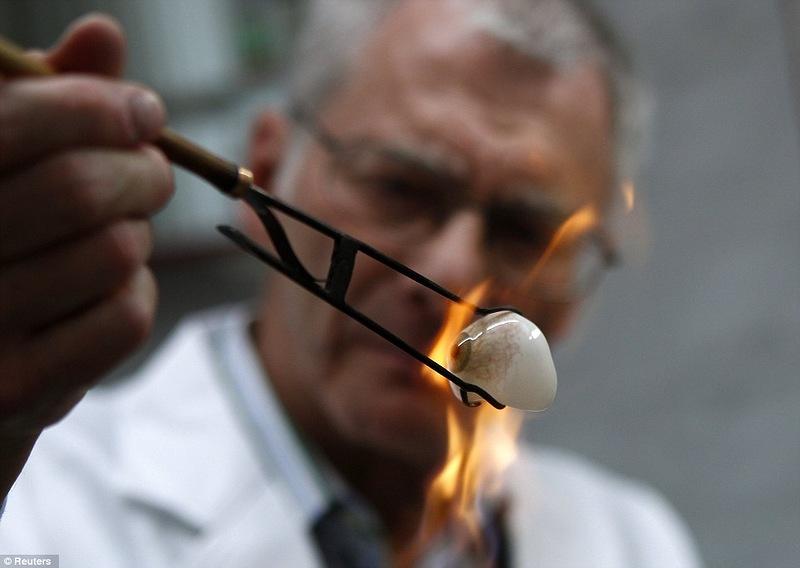 Процесс изготовления глазных протезов от А до Я (23 фото) .