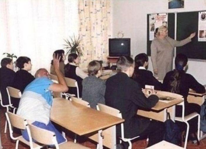 http://ic.pics.livejournal.com/tragemata/25155229/2274932/2274932_original.jpg