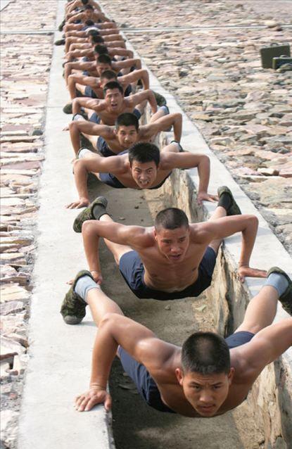 19 способов отжимания в китайской армии