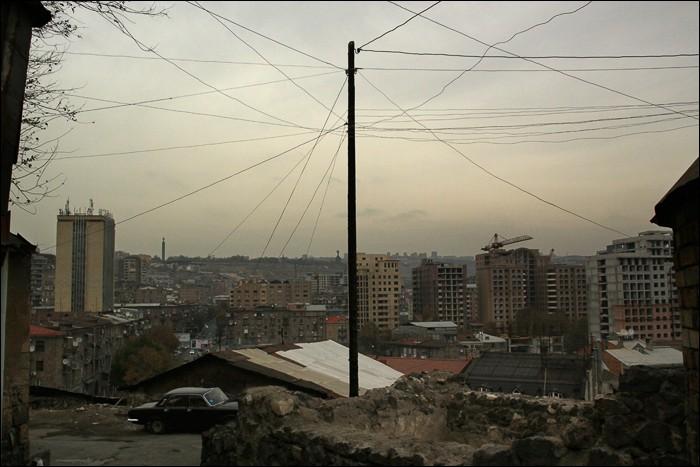 Вид на Ереван из старого квартала Конд