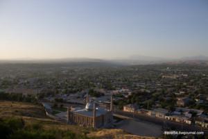 Вид на Ош с Сулейман-горы