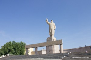 Памятник Мао Дзэдуну