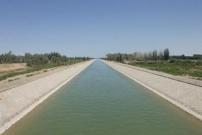 Канал перед Аралом
