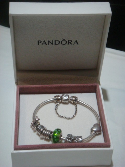 You Can Also Them Through Online Just Be Careful And Design Your Own Charm Check This Website Www Pandora