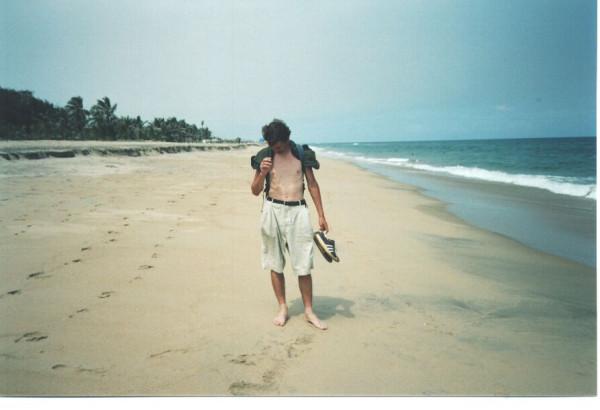 385 Уже 20 км по пляжу иду