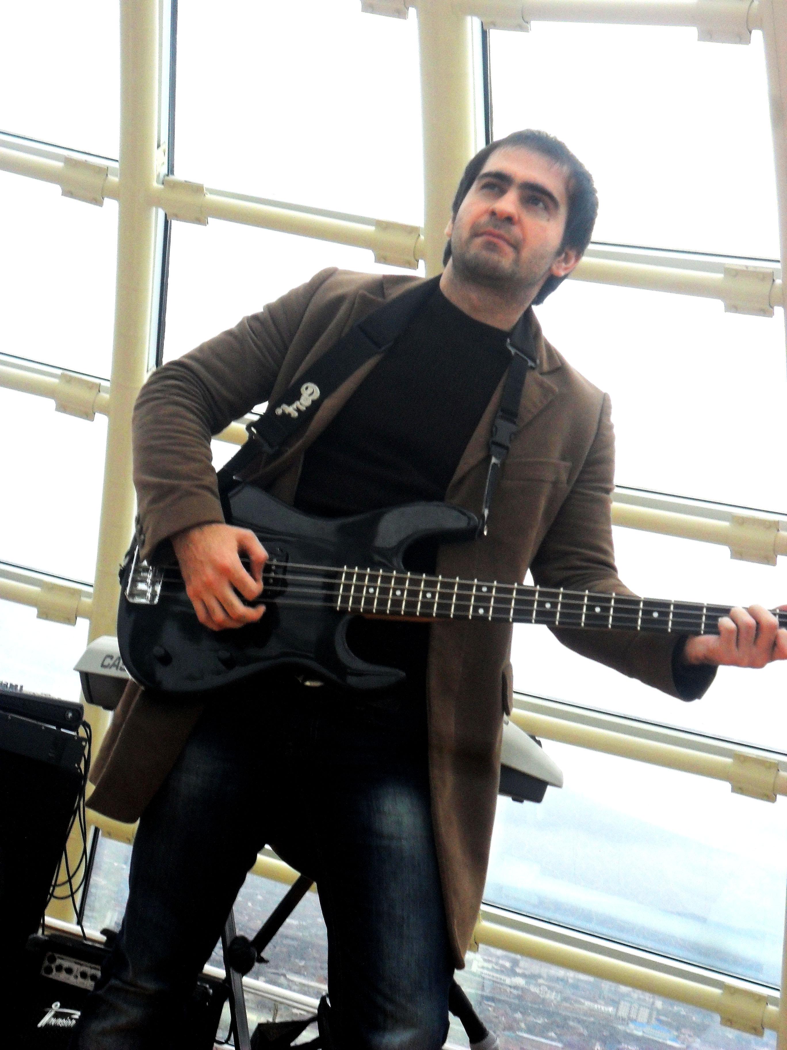 Ибрагим-гитарист!
