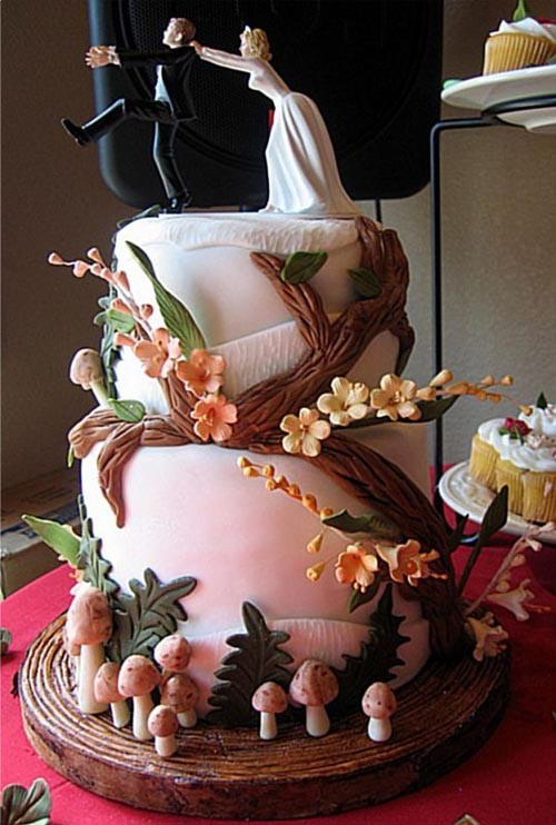 Ugly-Wedding-Cake-Image