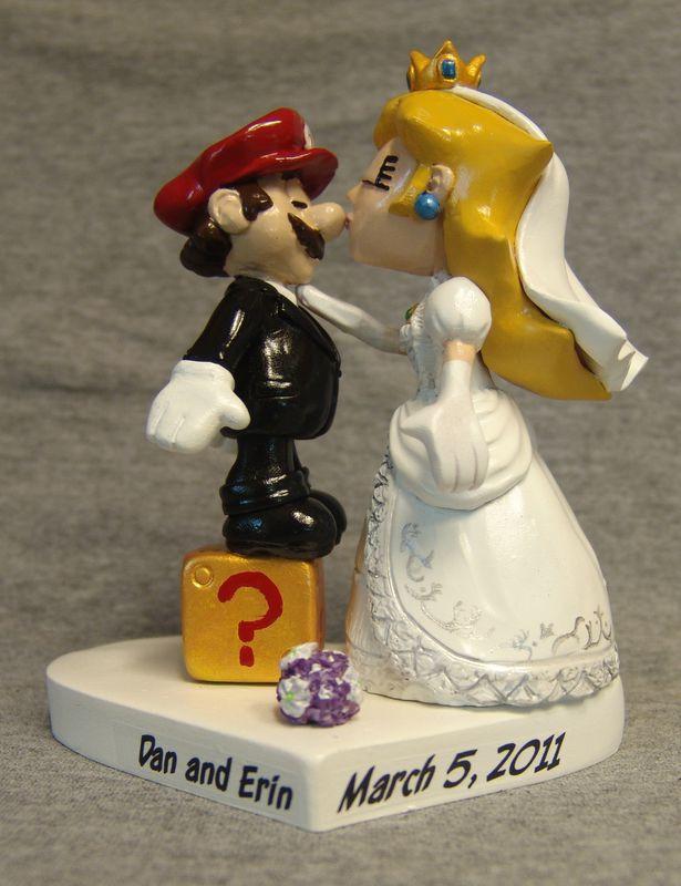 Mario-Princess-Peach-Cake-Topper-product-image