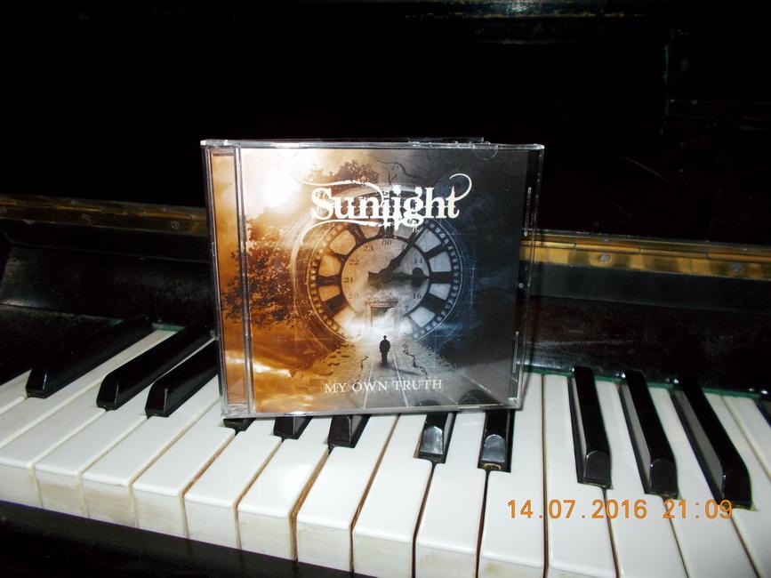 SUNLIGHT-01-CD.JPG