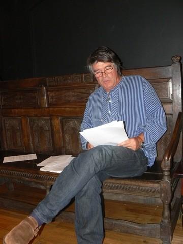 Oliver reads