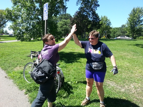 High fives! (Amy's the cute one on the left. I'm the one with the unfortunate fanny pack on the right.)