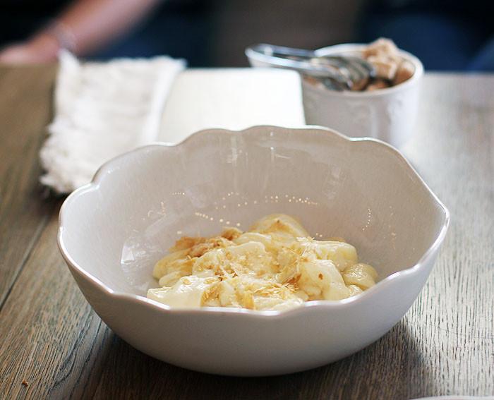 Пшенная каша с сыром и яйцом пашот - рецепт пошаговый с фото