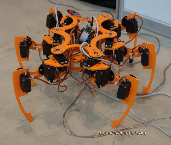 Мобильный робот на базе инсектоморфного шасси компании EYERA