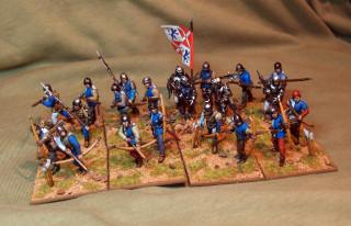 валлийцы с длинными луками и копьями