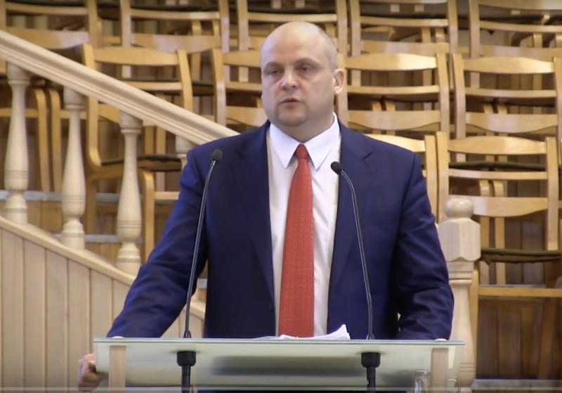Руслан Саливончик проповедует в Кобринской церкви ЕХБ. 24 февраля 2019 года