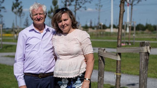 Родители Виктора: Сергей и Вера Орешкины.