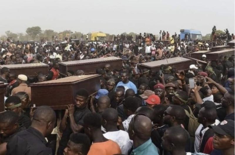 Похороны христиан в Нигерии в апреле 2019 года