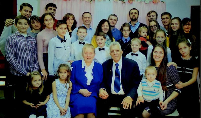 Дети и внуки Александра и Веры Тихонов