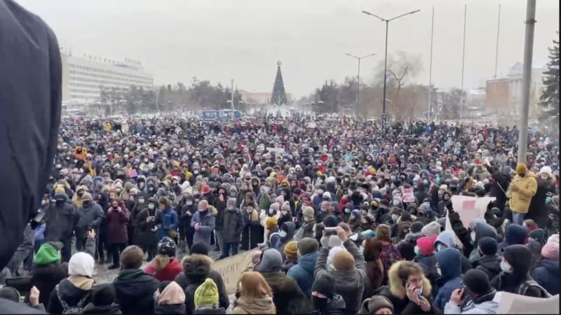 Митинг в Иркутске. 23 января 2021 года. Скриншот видео.
