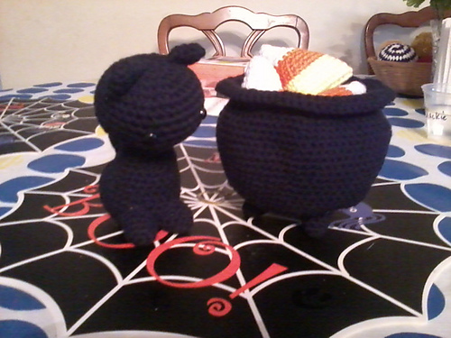 crochet-caldron2