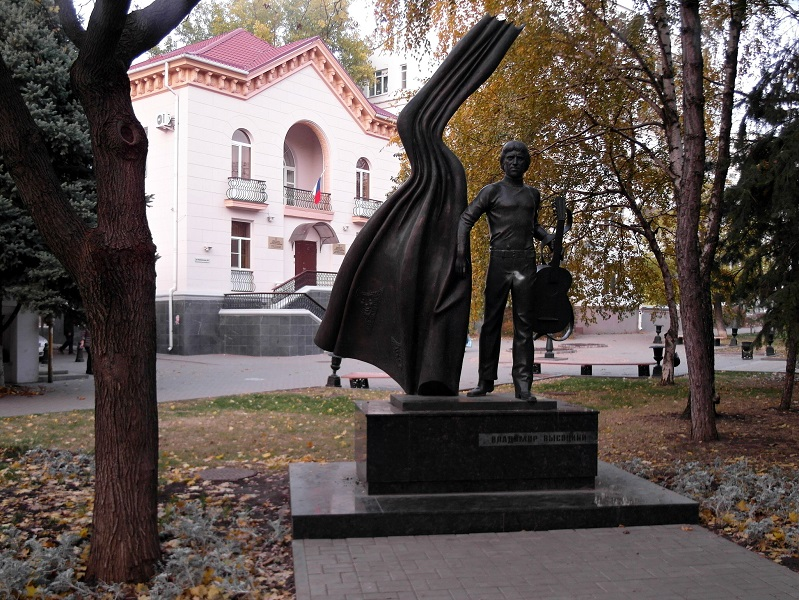 Памятники в бресте пушкинская памятники цены мрамор Арзамас
