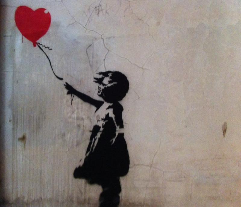 Девочка с шаром (или «Любовь в мусорной корзине» англ. «Love Is in the Bin» ) Автор Робин Бэнкси