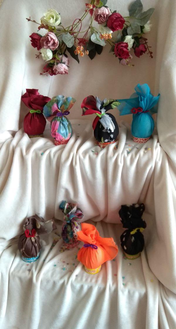 Пасхальные Яйца в разноцветных платьицах от Циры