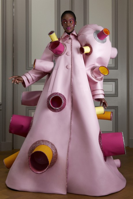 Модели коллекции Viktor & Rolf Couture