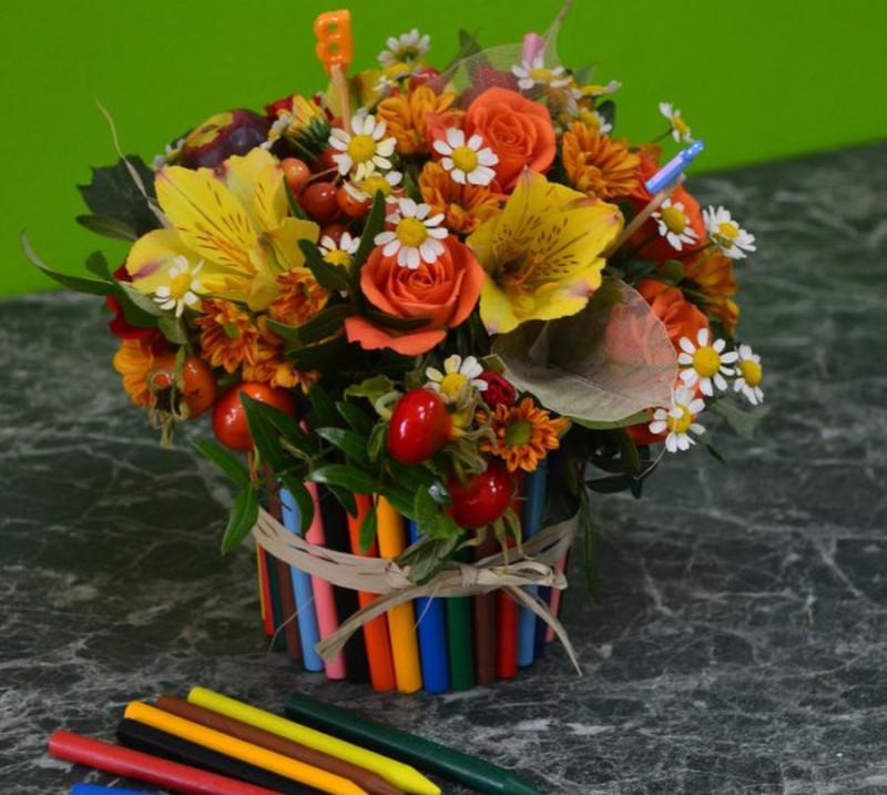 Композиция из цветов в школу фото