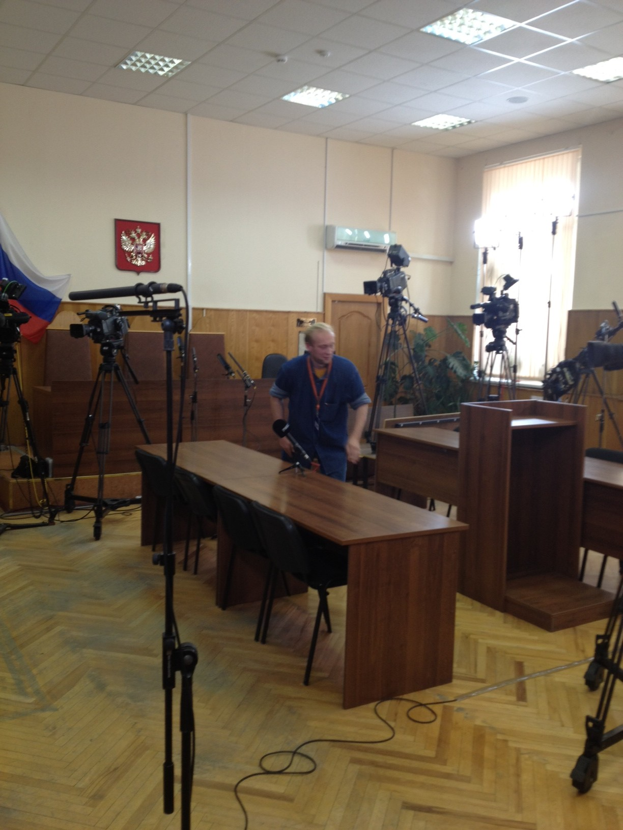 в зале судебного заседания уже было установлено 7 видеокамер