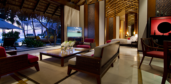 One_and_Only_Reethi_Rah_Grand_Beach_Villa_Interior2