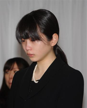 She appeared in funeral of Tanaka Yoshiko (Youko's mother ...