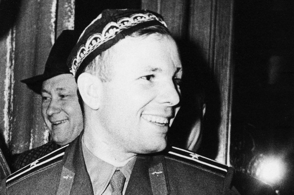 Гагарин в тюбетейке