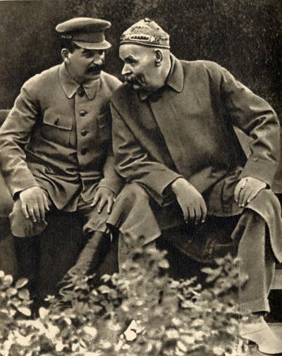 Сталин и Максим Горький в тюбетейке