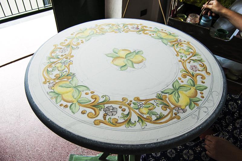 Tavolo in lavorazione рик