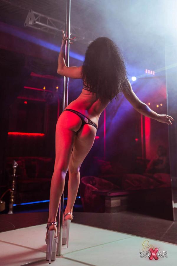 Sexy Teen Stripper Doing A Striptease In A Miami Strip Club