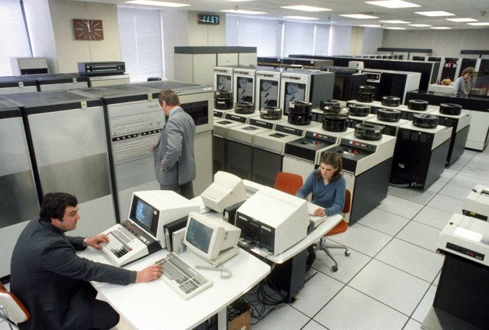 Центральный зал автоматизированной системы обработки сообщений ТАСС, 1988 год, Москва