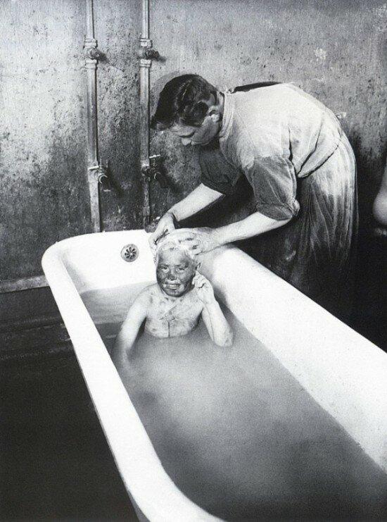 «Купание бездомного», 1927 год
