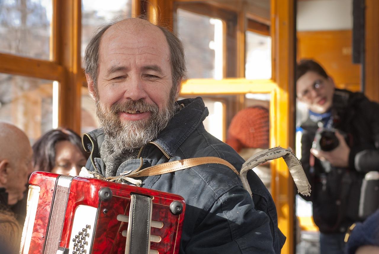Сергей Васильев в поездке на трамваях 8 марта 2011 года