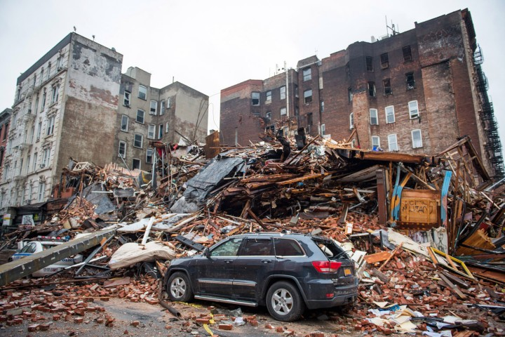 aptopix_building_collapse_manhattan-1