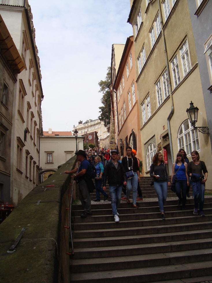 Praga-sobor-cv-vita-podarki-elochnie-igrushki