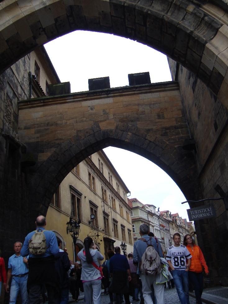 Praga-Karlov-Most-office-tourisme