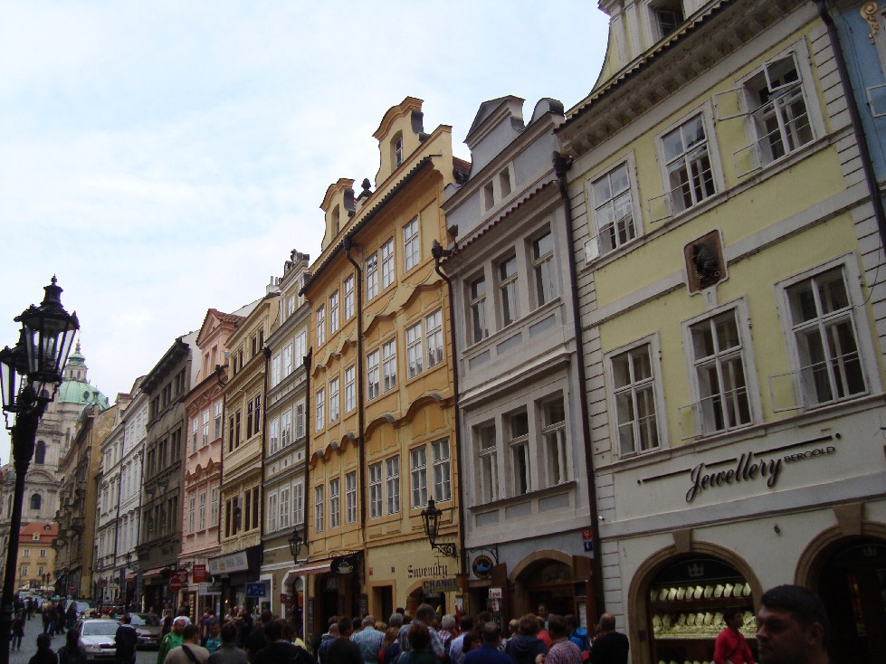 Praga-Mostecka-Karlov-Most