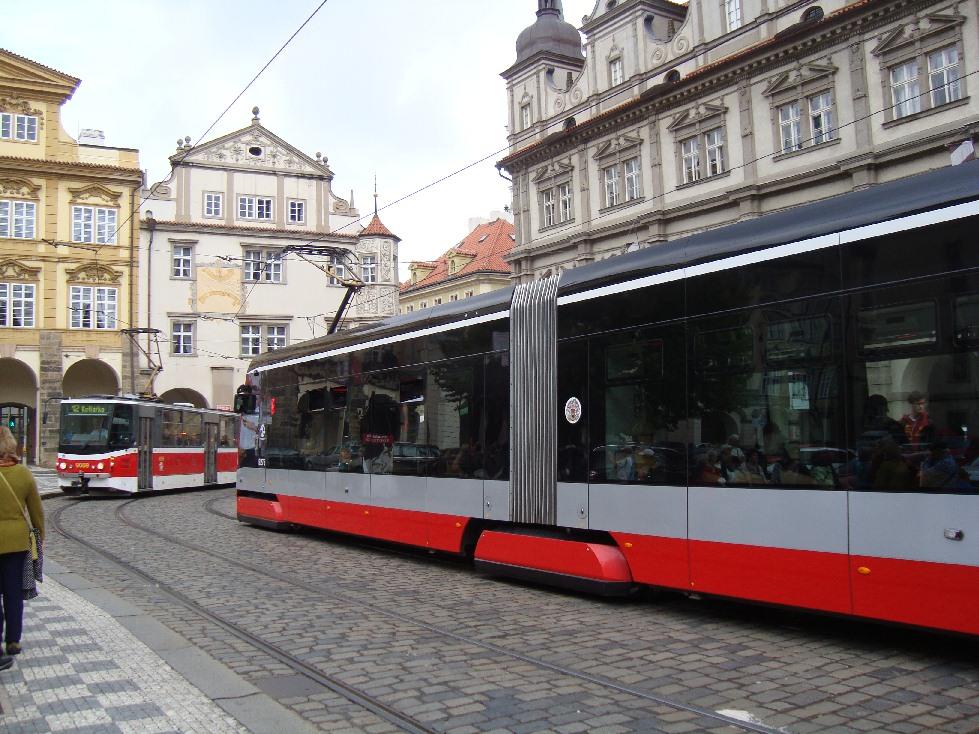 Praga-tramvay-ot-proshlogo-budeschee
