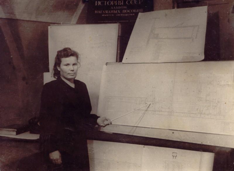 Мама защищает диплом, 13 октября 1951 года.