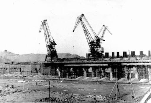 Строительство Иркутской ГЭС. Фото из инета: http://irkipedia.ru/content/irkutskaya_ges_iz_istorii