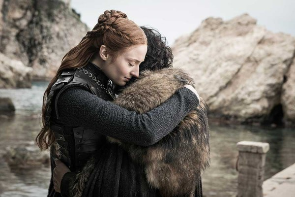 HBO-releases-photos-from-Game-Of-Thrones-Season-8-Episode-6-The-Iron-Throne-12.jpg